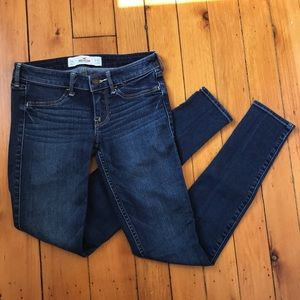 Hollister Dark Wash Low Rise Skinny Jeans